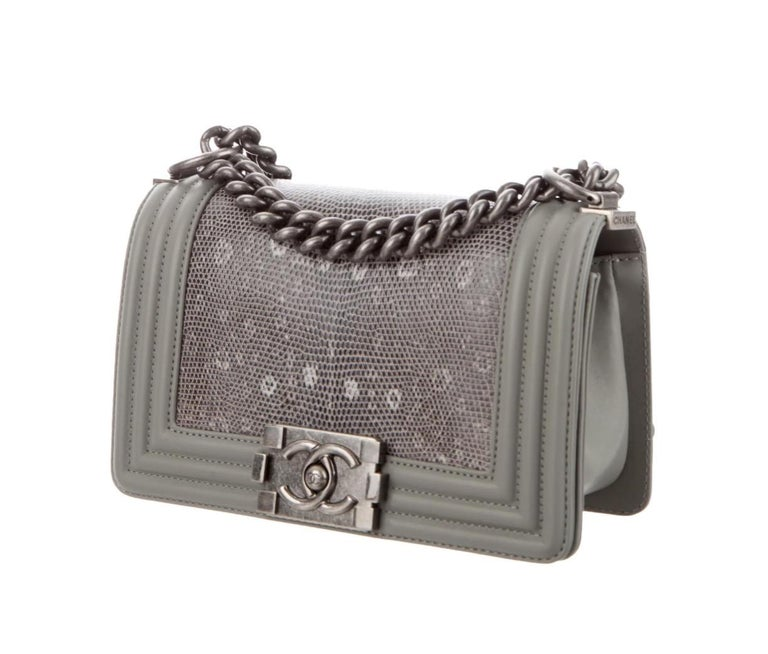 Chanel NEW Gray Lizard Skin Leather Exotic Small Evening Shoulder Flap Bag In New Condition For Sale In Chicago, IL