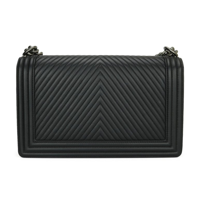 CHANEL New Medium Chevron Boy Bag Black Calfskin with Ruthenium Hardware 2014 In Excellent Condition For Sale In Huddersfield, GB