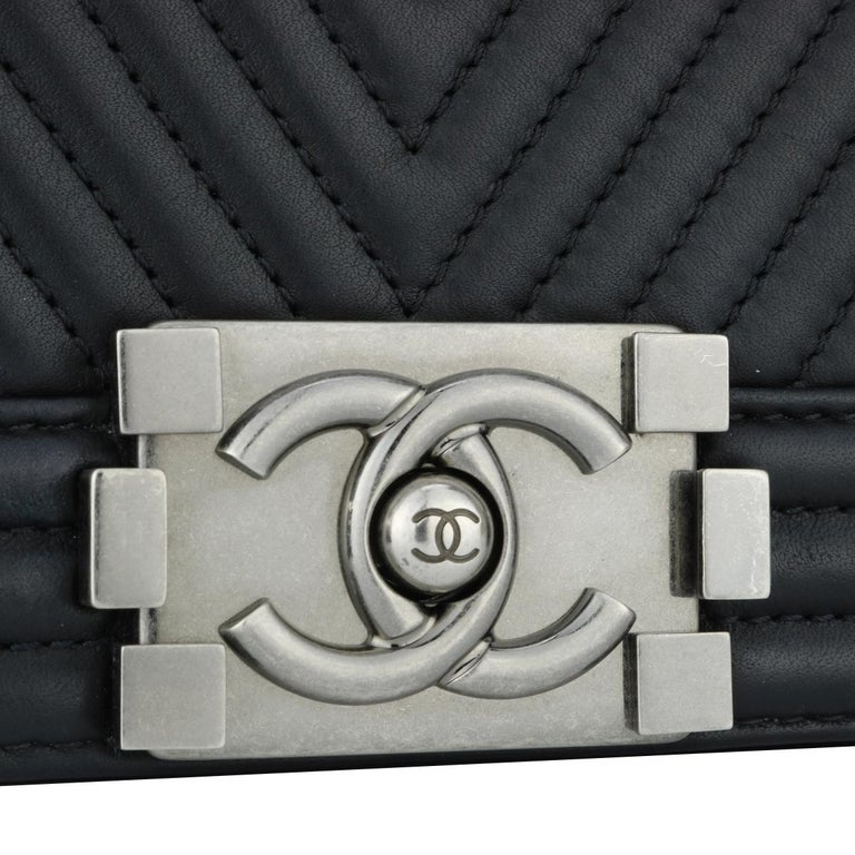 Women's or Men's CHANEL New Medium Chevron Boy Bag Black Calfskin with Ruthenium Hardware 2014 For Sale