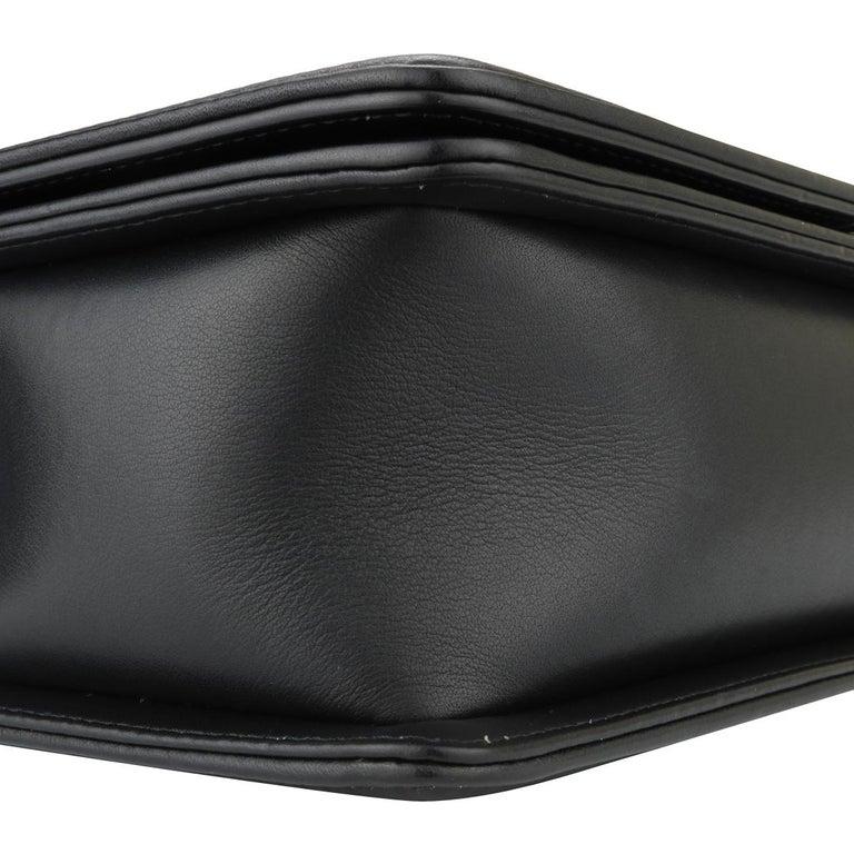 CHANEL New Medium Chevron Boy Bag Black Calfskin with Ruthenium Hardware 2014 For Sale 4