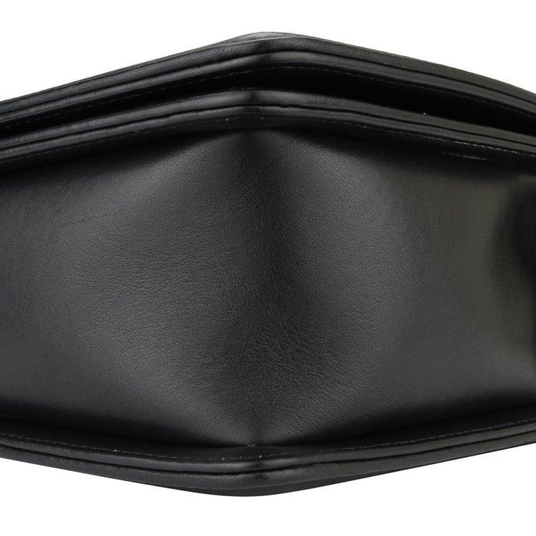 CHANEL New Medium Chevron Boy Bag Black Calfskin with Ruthenium Hardware 2014 For Sale 5