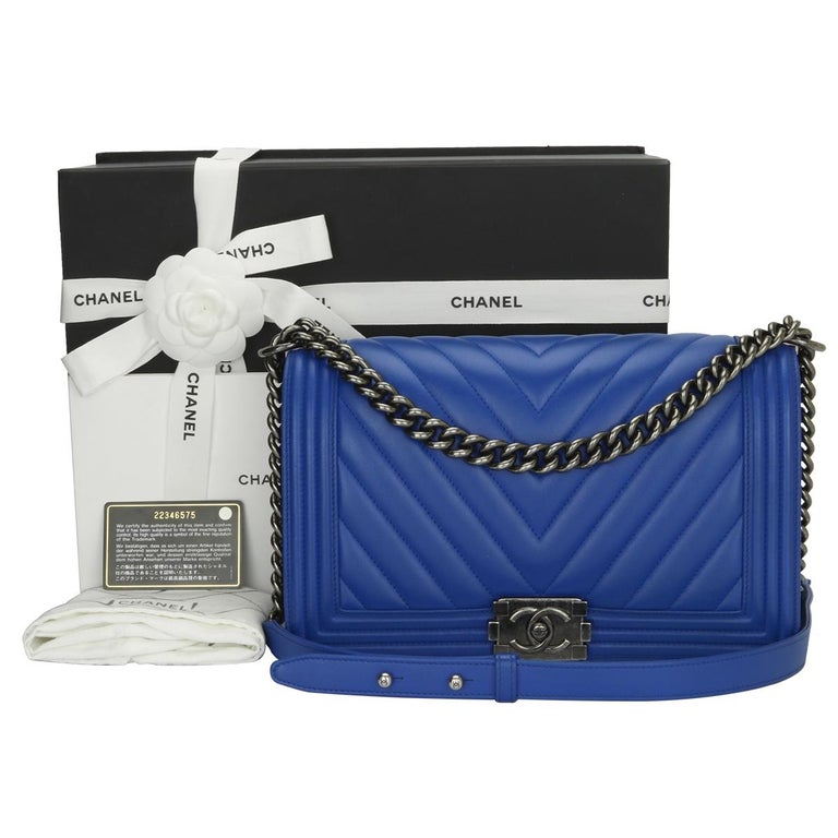 CHANEL New Medium Chevron Boy Blue Calfskin with Ruthenium Hardware 2016  For Sale 14 88a3054232f01
