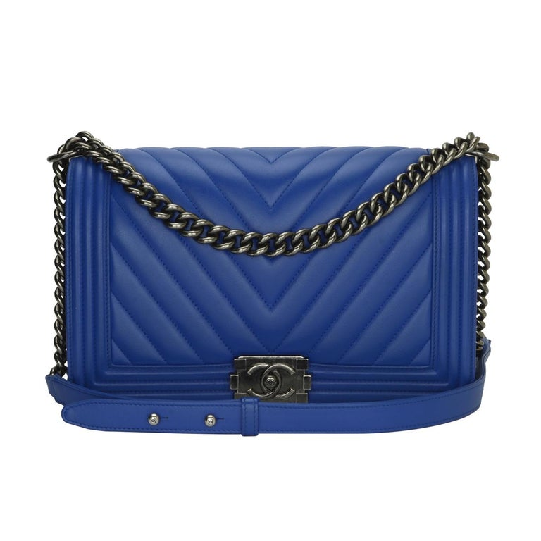 CHANEL New Medium Chevron Boy Blue Calfskin with Ruthenium Hardware 2016  For Sale 5f746e3e4f678