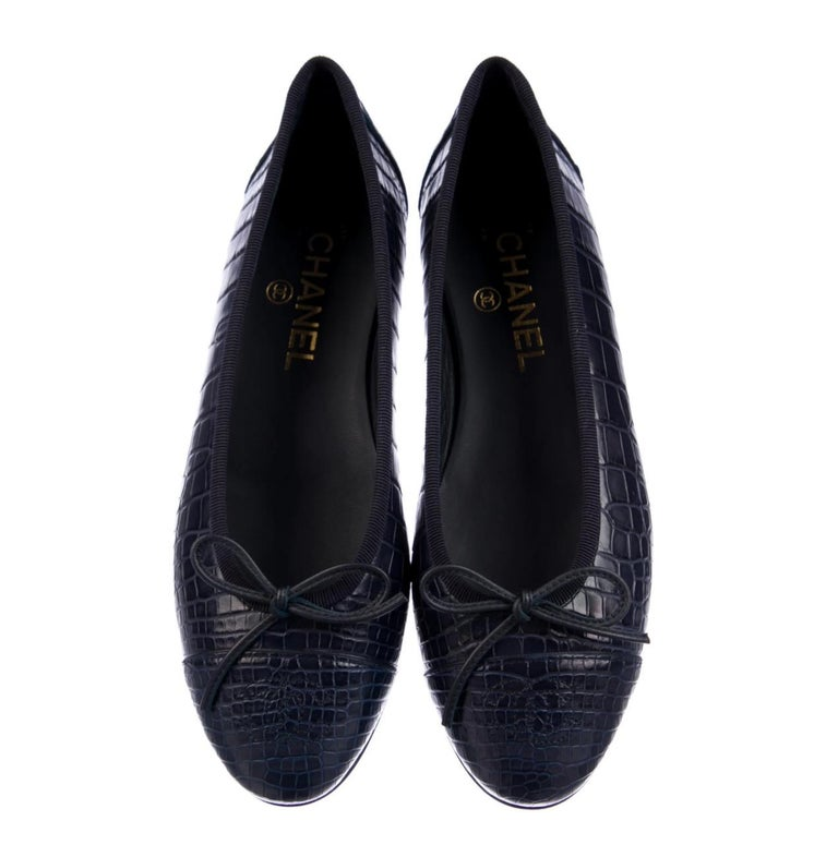 Black Chanel NEW Navy Blue Alligator Exotic CC Logo Bow Ballerina Flats Shoes For Sale