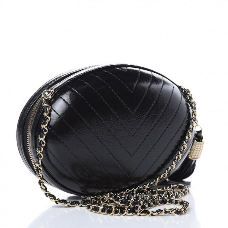 Chanel NEW Runway Black Leather White Gold Round Evening Shoulder Chain Bag  Leather Gold tone hardware Zipper closure Leather lining Date code present Made in France Shoulder strap drop 19.5