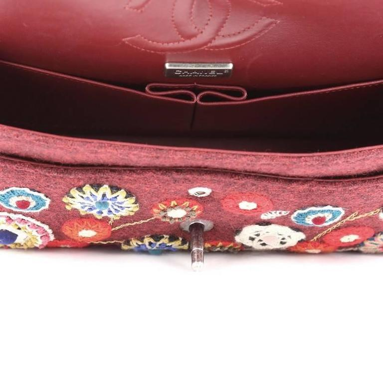 Chanel NEW Runway Red Embroidered Tapestry Evening Shoulder Flap Bag in Box For Sale 2