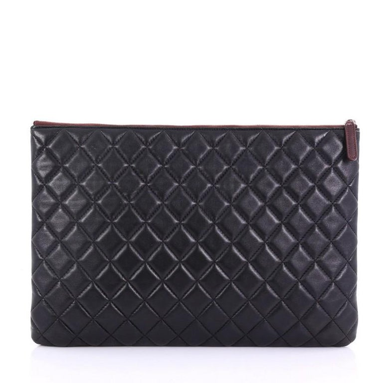 Chanel O Case Clutch Quilted Lambskin Large In Good Condition For Sale In New York, NY