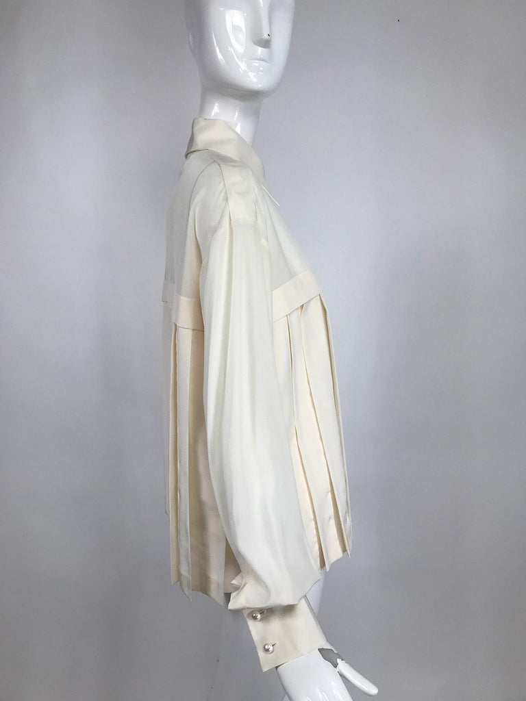 Chanel Off White Silk Pleated Long Sleeve Blouse In Excellent Condition For Sale In West Palm Beach, FL