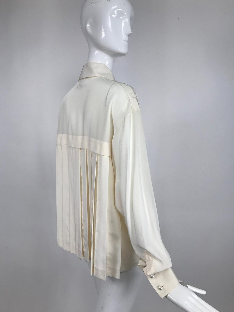 Women's Chanel Off White Silk Pleated Long Sleeve Blouse For Sale