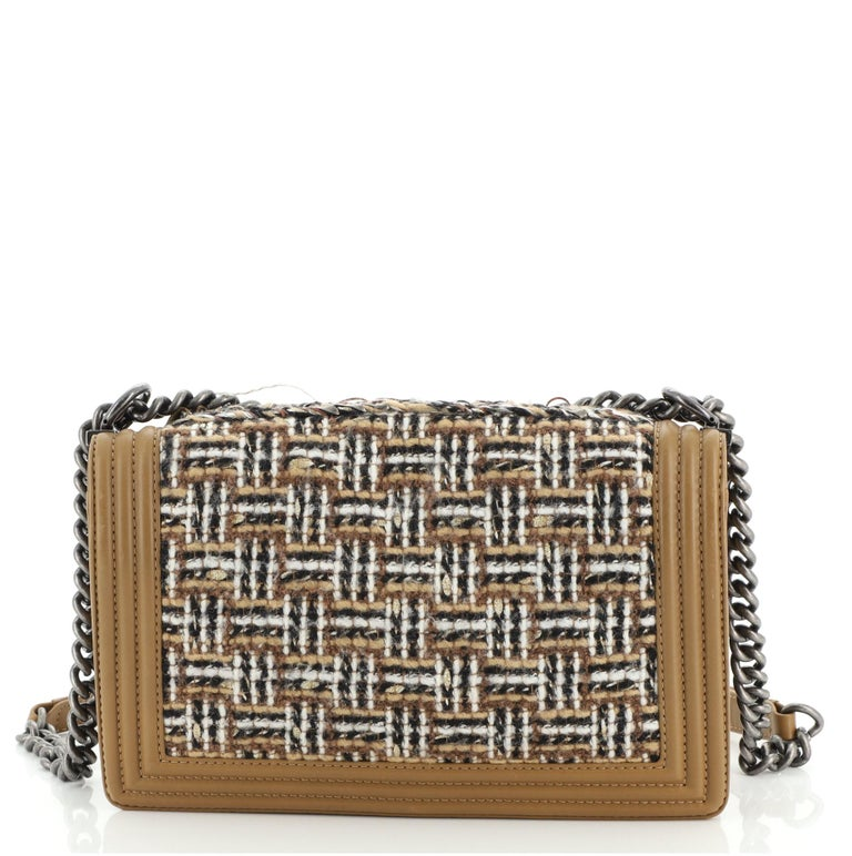 Women's or Men's Chanel Paris-Dallas Boy Flap Bag Enchained Fringe Tweed with Calfskin New Medium For Sale