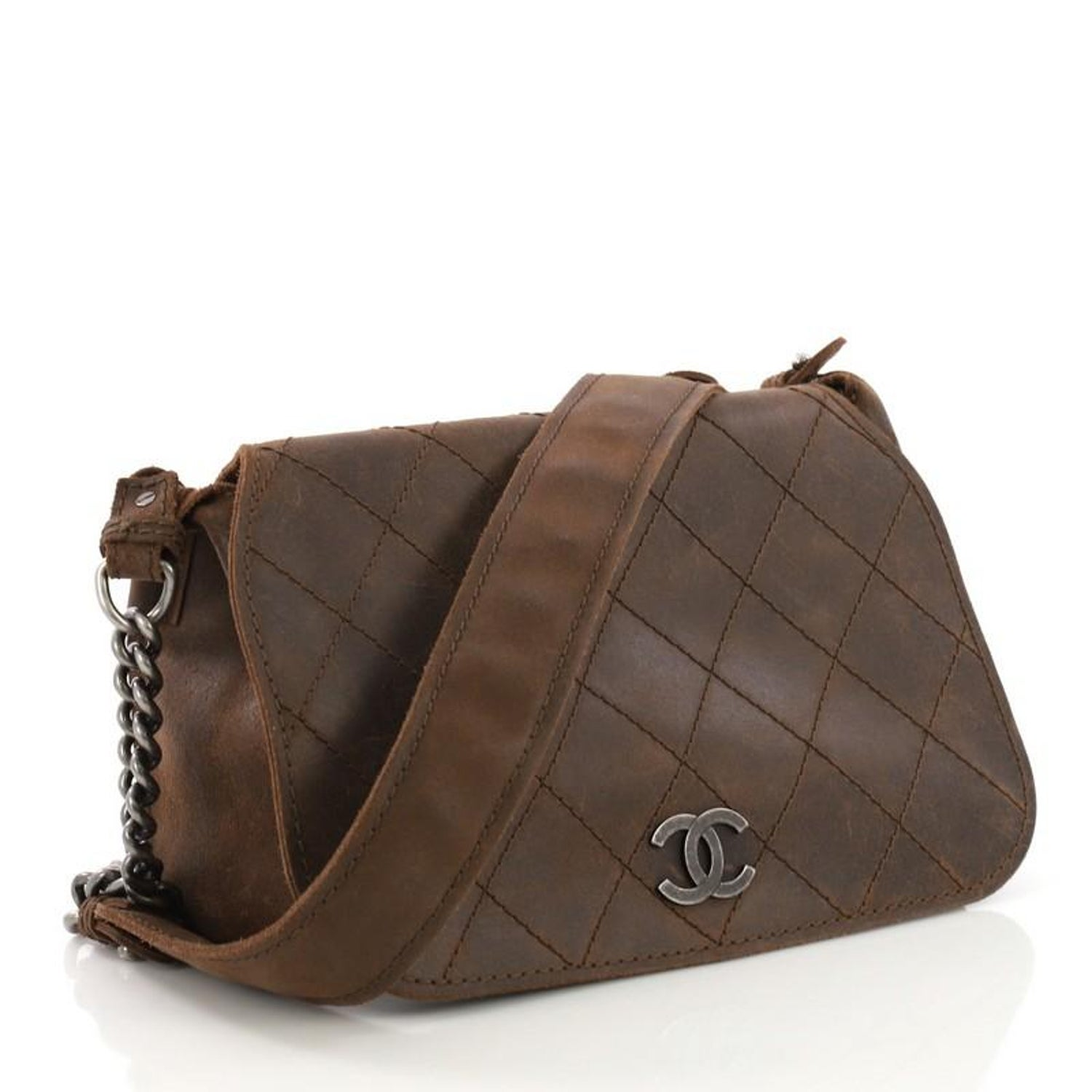 bfaac30f40da62 Chanel Paris-Edinburgh Highlander Messenger Bag Quilted Distressed Leather  Mediu at 1stdibs