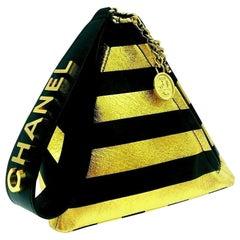CHANEL Paris-New York Metier D'Art 2019 Pyramid Bag - Black Gold Excellent