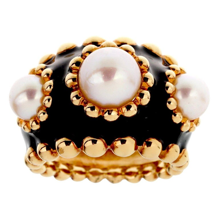 Chanel Pearl Yellow Gold Beaded Cocktail Ring In Good Condition For Sale In Feasterville, PA
