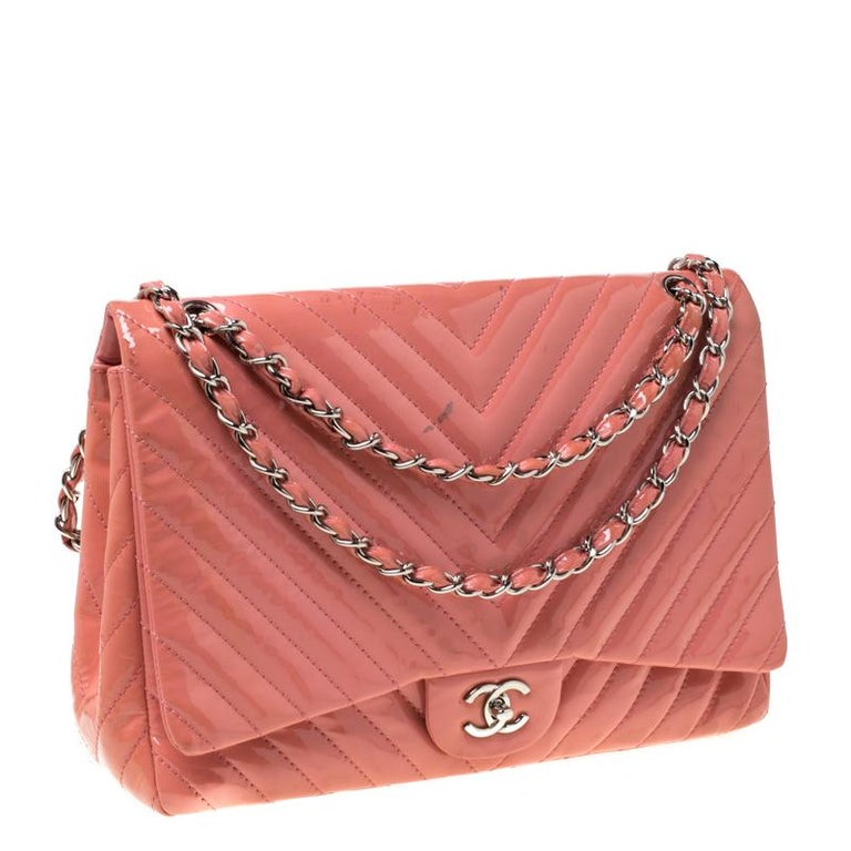 Women's Chanel Pink Chevron Patent Leather Maxi Classic Single Flap Bag For Sale