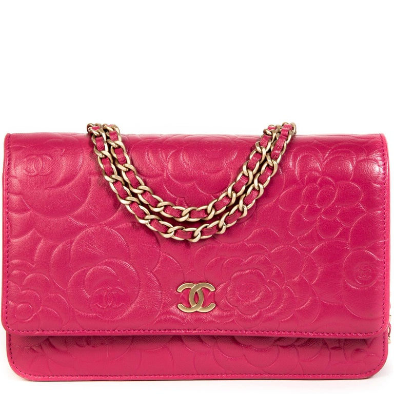 c58cca1103e143 Chanel Pink Leather Floral Wallet On Chain For Sale at 1stdibs