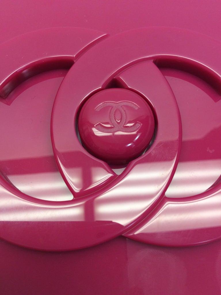d46f3a3f28f7 Chanel Pink LEGO Brick Clutch/Crossbody For Sale at 1stdibs