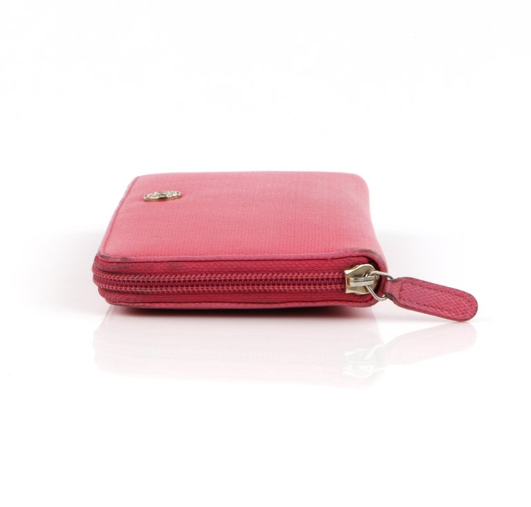 Women's CHANEL Pink Coated Canvas CC Logo Zip Around Clutch Wallet For Sale