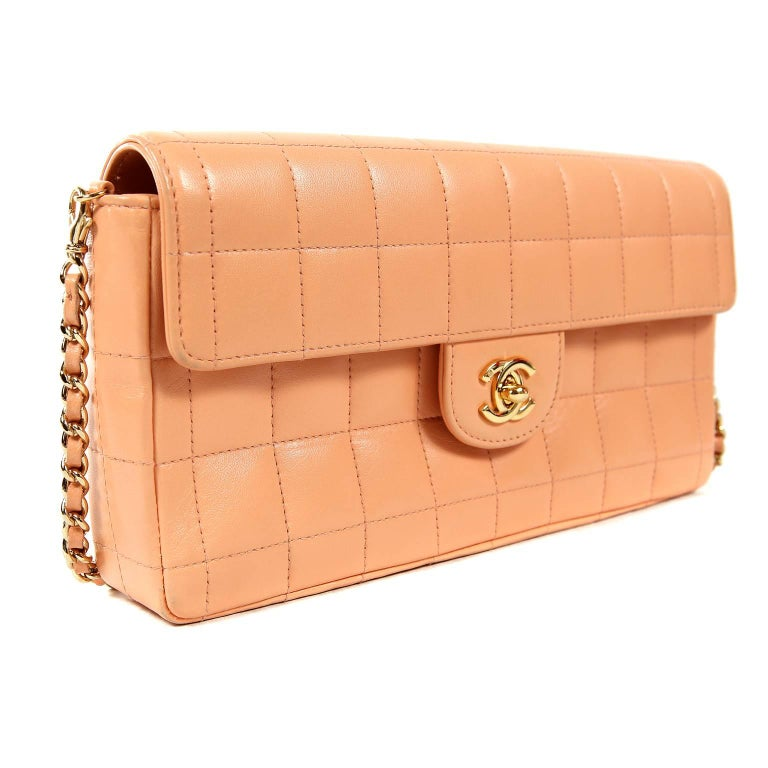eae017e824e5 Chanel Pink Square Quilted Leather East West Flap Bag For Sale at ...