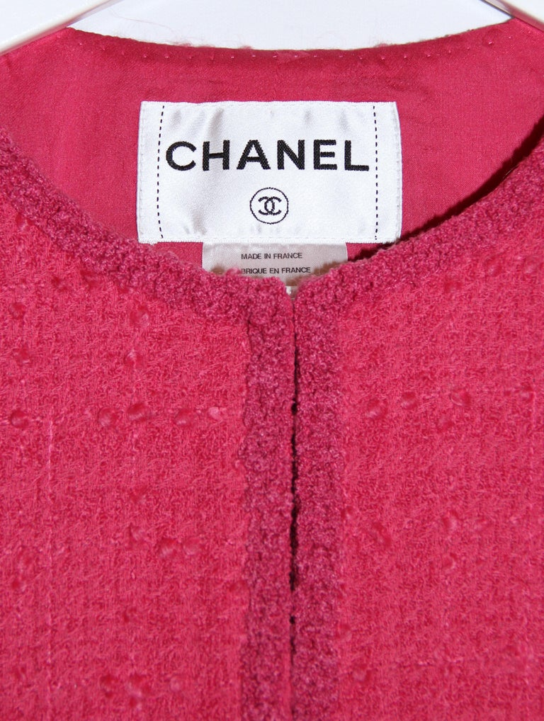 Chanel Pink Tweed Jacket In Good Condition For Sale In Geneva, CH
