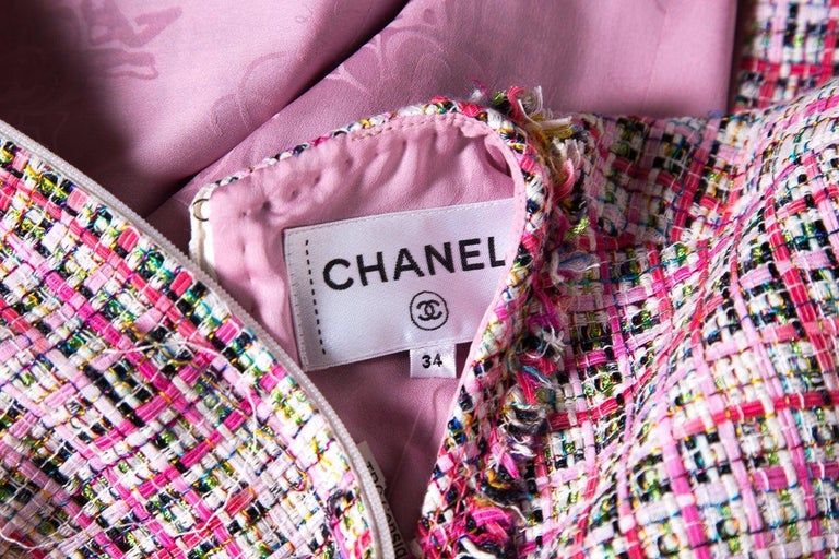CHANEL  Pink Tweed V-Neck & Fringe Detail Dress SZ 34 For Sale 2