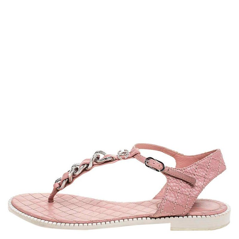 Chanel Pink/White Quilted Leather Chain Link Thong Flat Sandals Size 41 For Sale 3