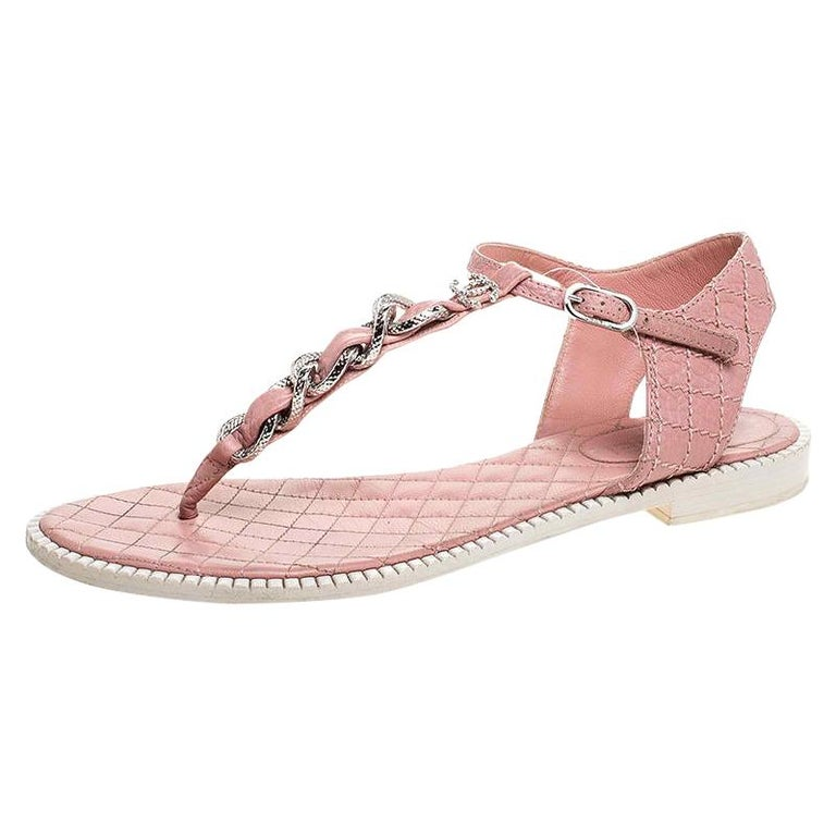 Chanel Pink/White Quilted Leather Chain Link Thong Flat Sandals Size 41 For Sale
