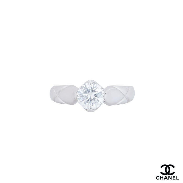 Chanel Platinum Diamond Coco Crush Ring 1.03 Carat GIA Certified In Excellent Condition For Sale In London, GB