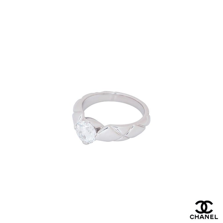 Women's Chanel Platinum Diamond Coco Crush Ring 1.03 Carat GIA Certified For Sale