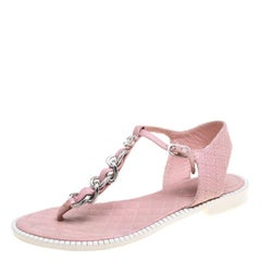 Chanel Powder Pink Leather Chain Detail CC Flat Thong Sandals Size 38.5