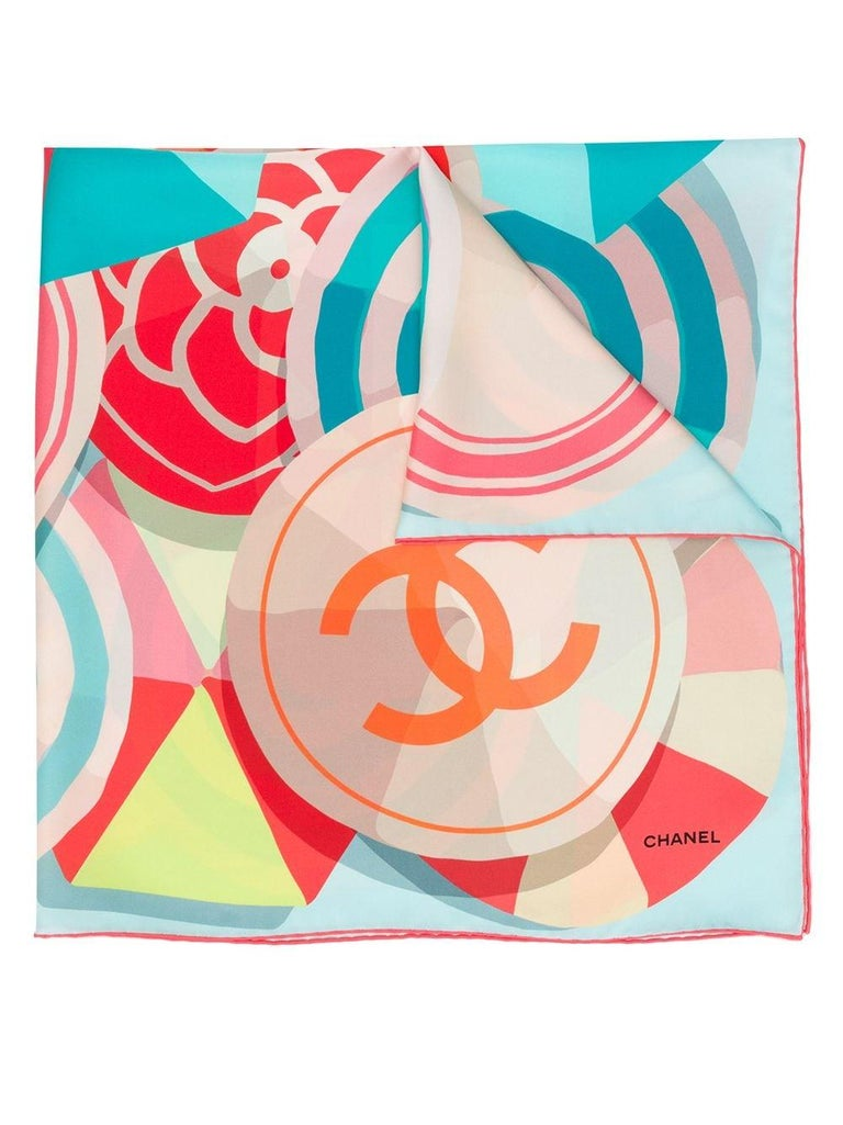 Chanel Pre-Owned geometric CC print scarf In Excellent Condition For Sale In London, GB