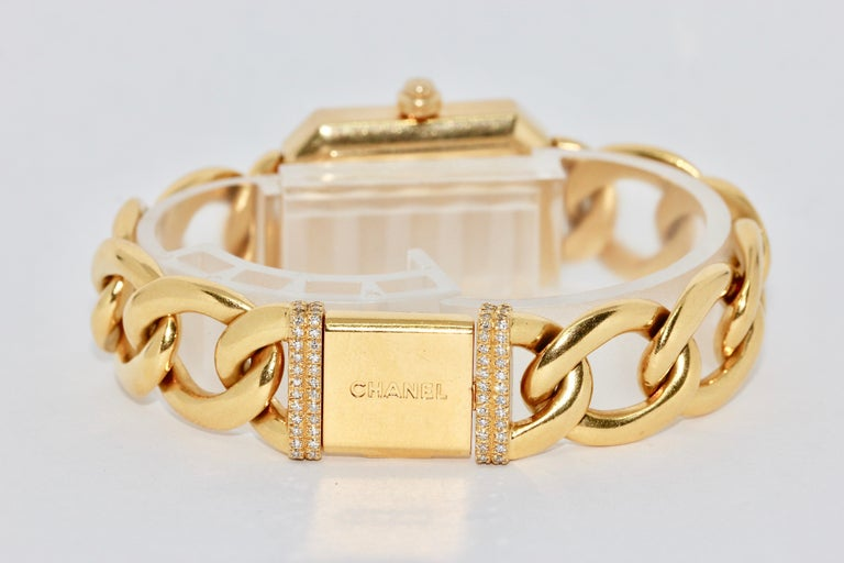 Chanel Première, 18 Karat Gold Solid Ladies Wristwatch with Diamonds For Sale 2