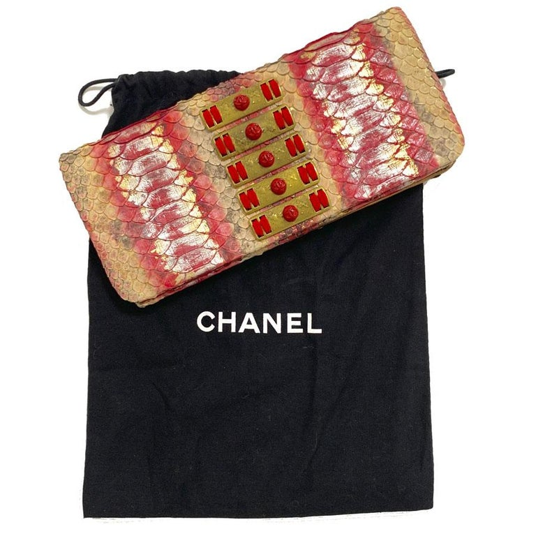 CHANEL Python Clutch In Excellent Condition For Sale In Paris, FR