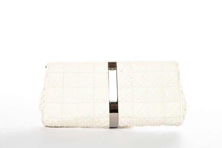 CHANEL  Python Cream Clutch with Chain In Excellent Condition For Sale In Scottsdale, AZ