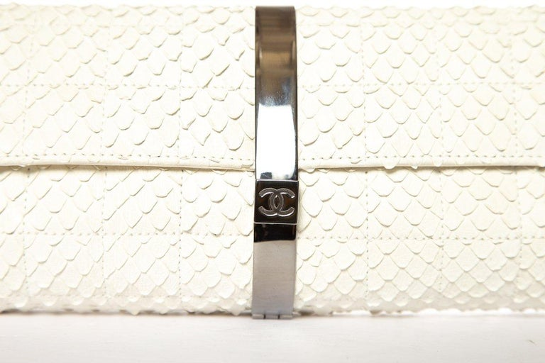 CHANEL  Python Cream Clutch with Chain For Sale 2