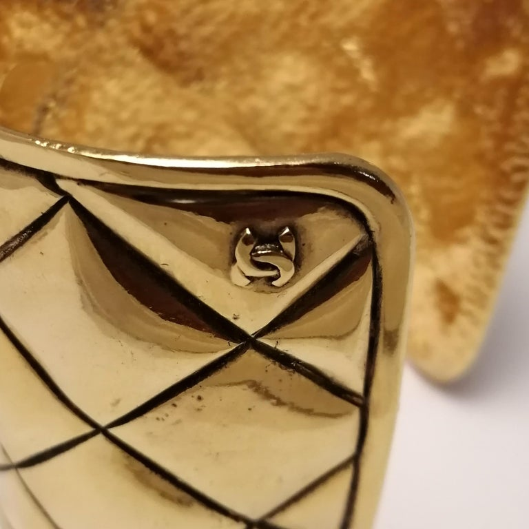 Chanel Quilted Bangle Bracelet In Good Condition In Mexico City, MX