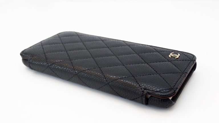 Chanel Quilted Black Caviar 'CC' Iphone 7+/8+ Wallet Case For Sale 3
