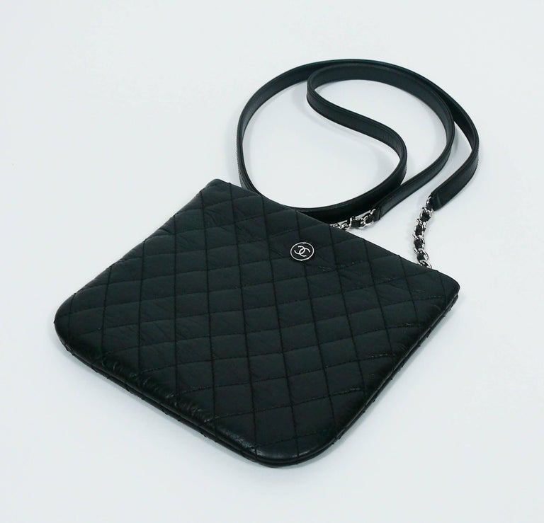 Chanel Quilted Black Leather Employee Uniform Crossbody Bag  In Excellent Condition For Sale In French Riviera, Cote d'Azur