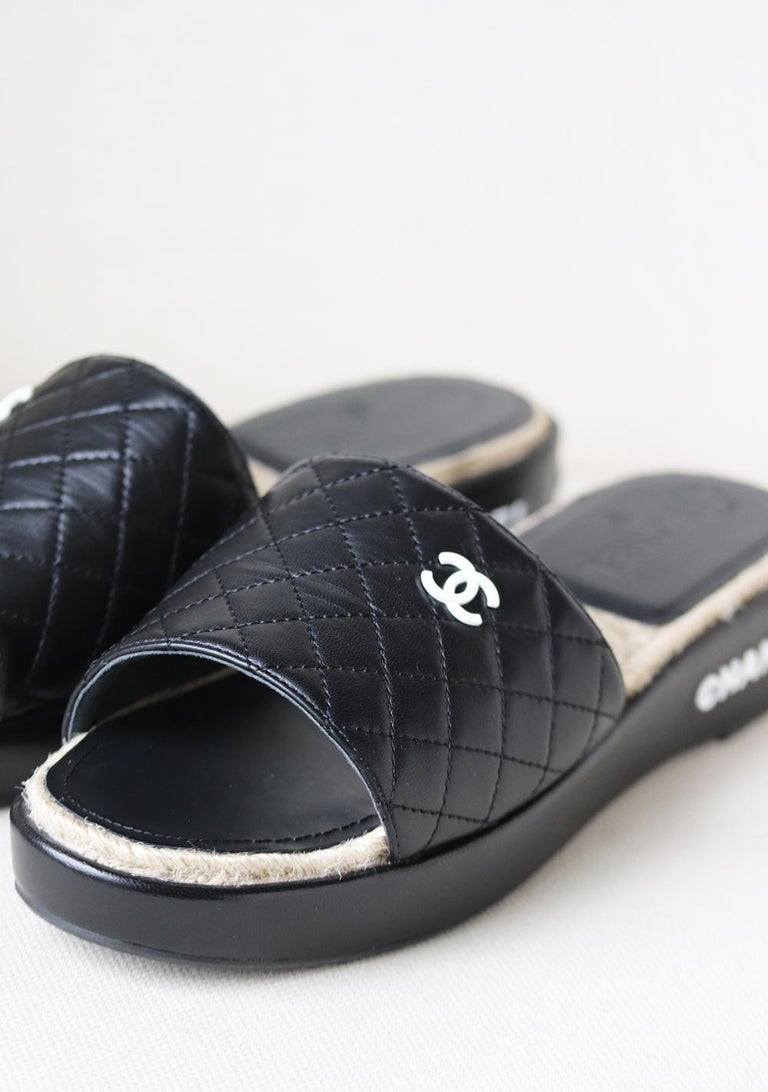 Chanel Quilted Lambskin Espadrille Slides  In New Condition For Sale In London, GB