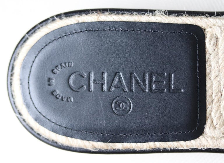 Chanel Quilted Lambskin Espadrille Slides  For Sale 2