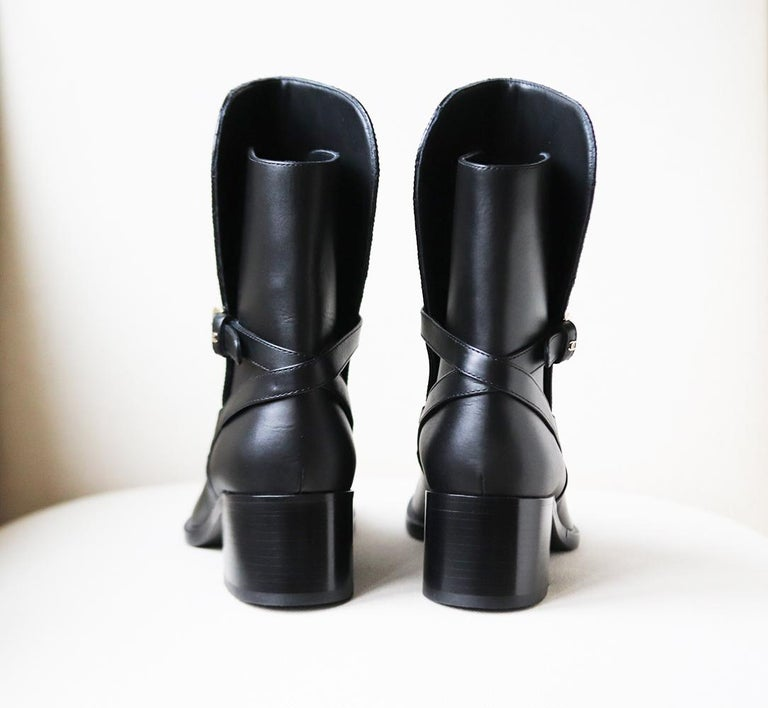 Chanel Quilted Lambskin Leather Boots In New Condition For Sale In London, GB