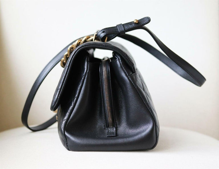 Chanel Quilted Leather Large Trapezio Flap Bag In Excellent Condition For Sale In London, GB