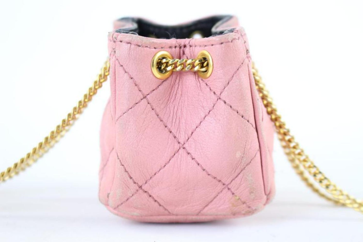 aff5d4f501497d Chanel Quilted Mini Cc Chain 222781 Pink Leather Clutch For Sale at 1stdibs