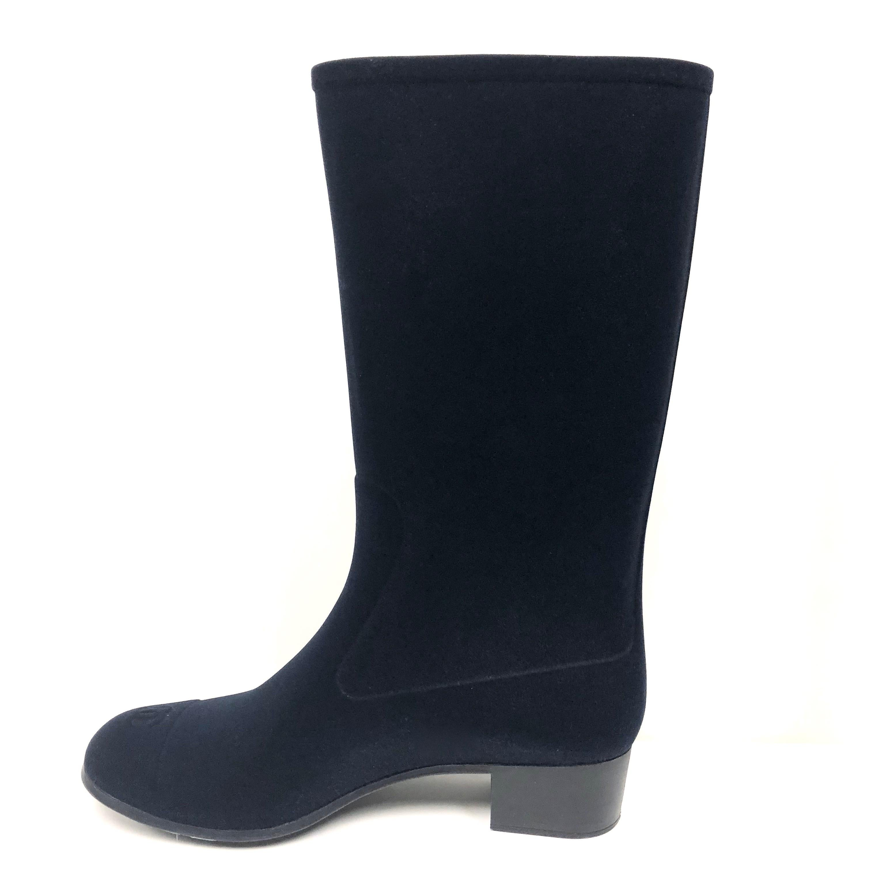 5a4e9ca10 Chanel Rain Boots with Camellias Size 38 For Sale at 1stdibs
