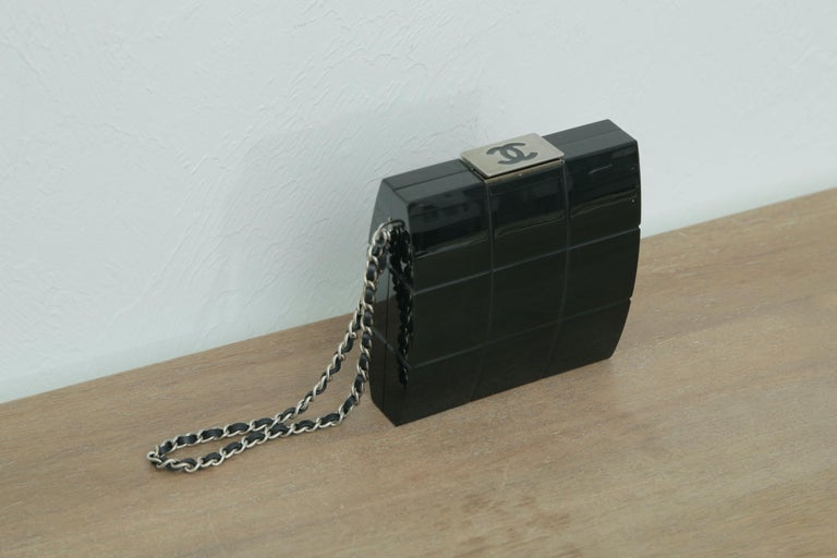 Chanel Rare 2002s Black Perspex Lucite Minaudiere Clutch / Chain Wristlet In Excellent Condition For Sale In West palm beach, FL