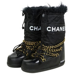 Chanel Rare Iconic 1990's Vintage Moon Boots sz 41-43