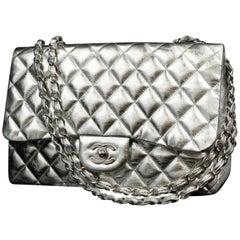 0aa8b186722e Chanel (Rare) Metallic Classic Double Flap 226586 Silver Leather Shoulder  Bag