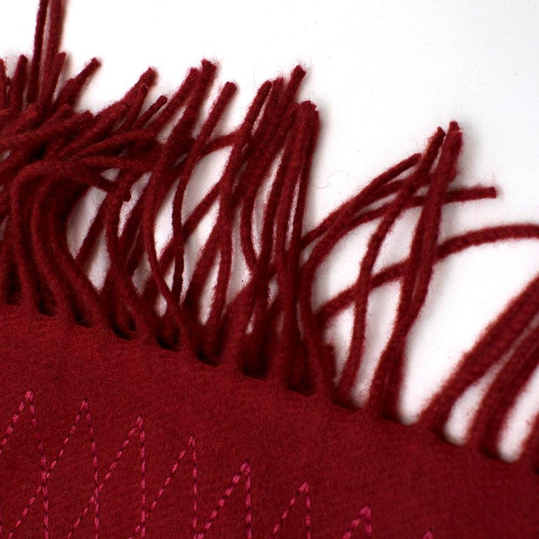 Chanel Red Cashmere Diamond Stitch Detail Scarf In New Condition For Sale In London, GB