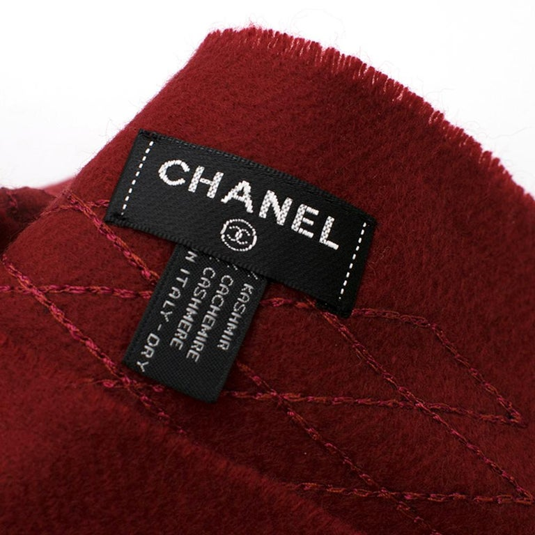 Women's Chanel Red Cashmere Diamond Stitch Detail Scarf For Sale