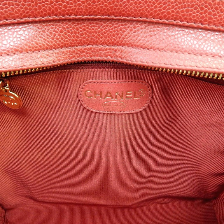 """Chanel Red Caviar Leather """"CC"""" Tote Shoulder Bag For Sale 4"""