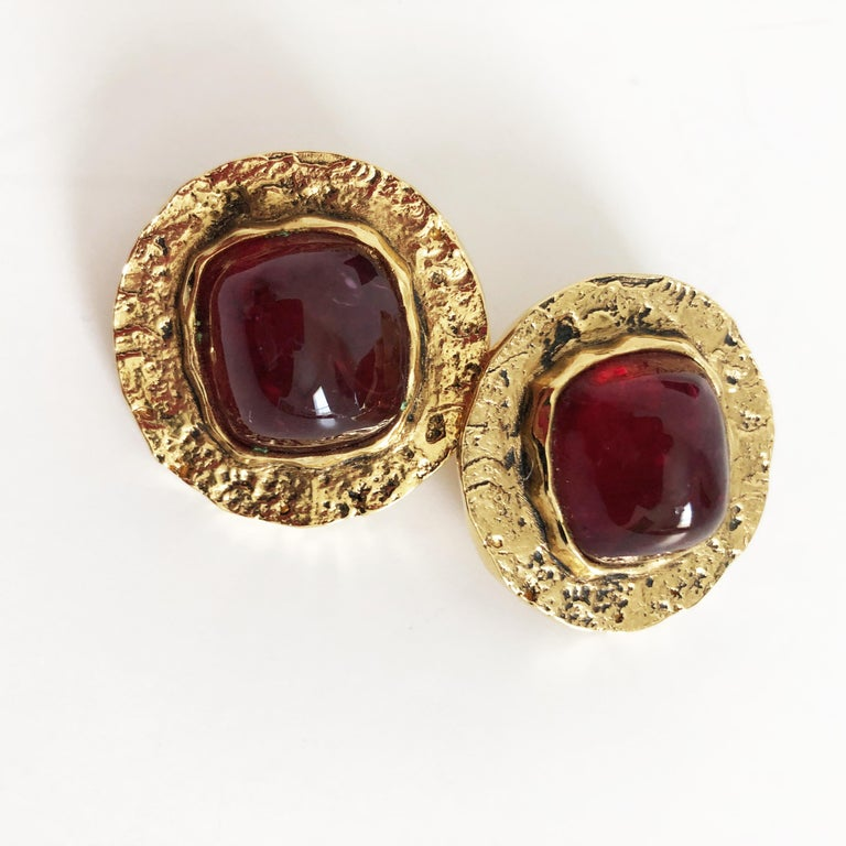 Women's Chanel Red Glass Earrings with Textured Gold Setting Goossens Vintage 70s  For Sale